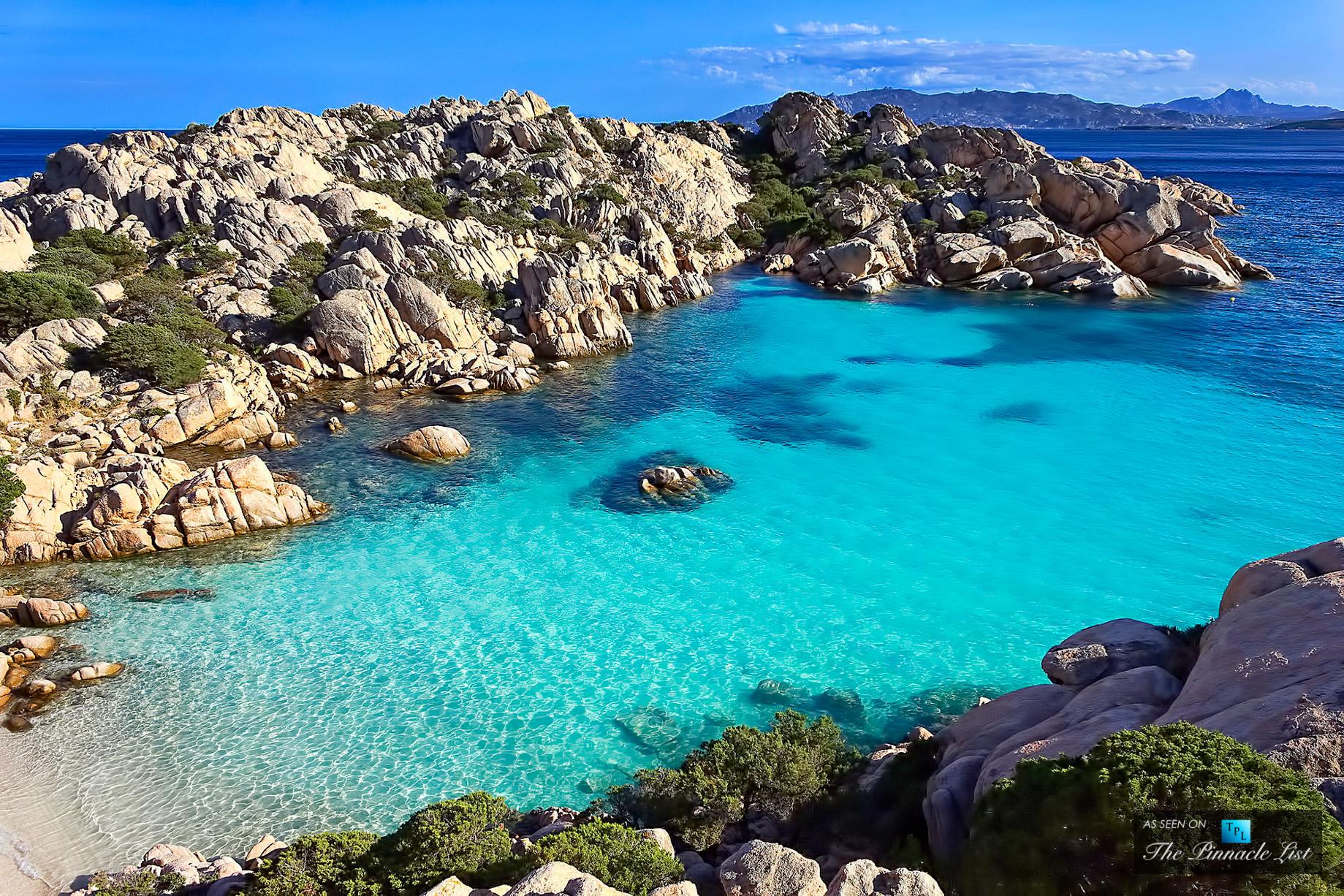 spiaggia-di-cala-coticcio-caprera-italy-spectacular-secluded-beach-arcipelago-della-maddalena